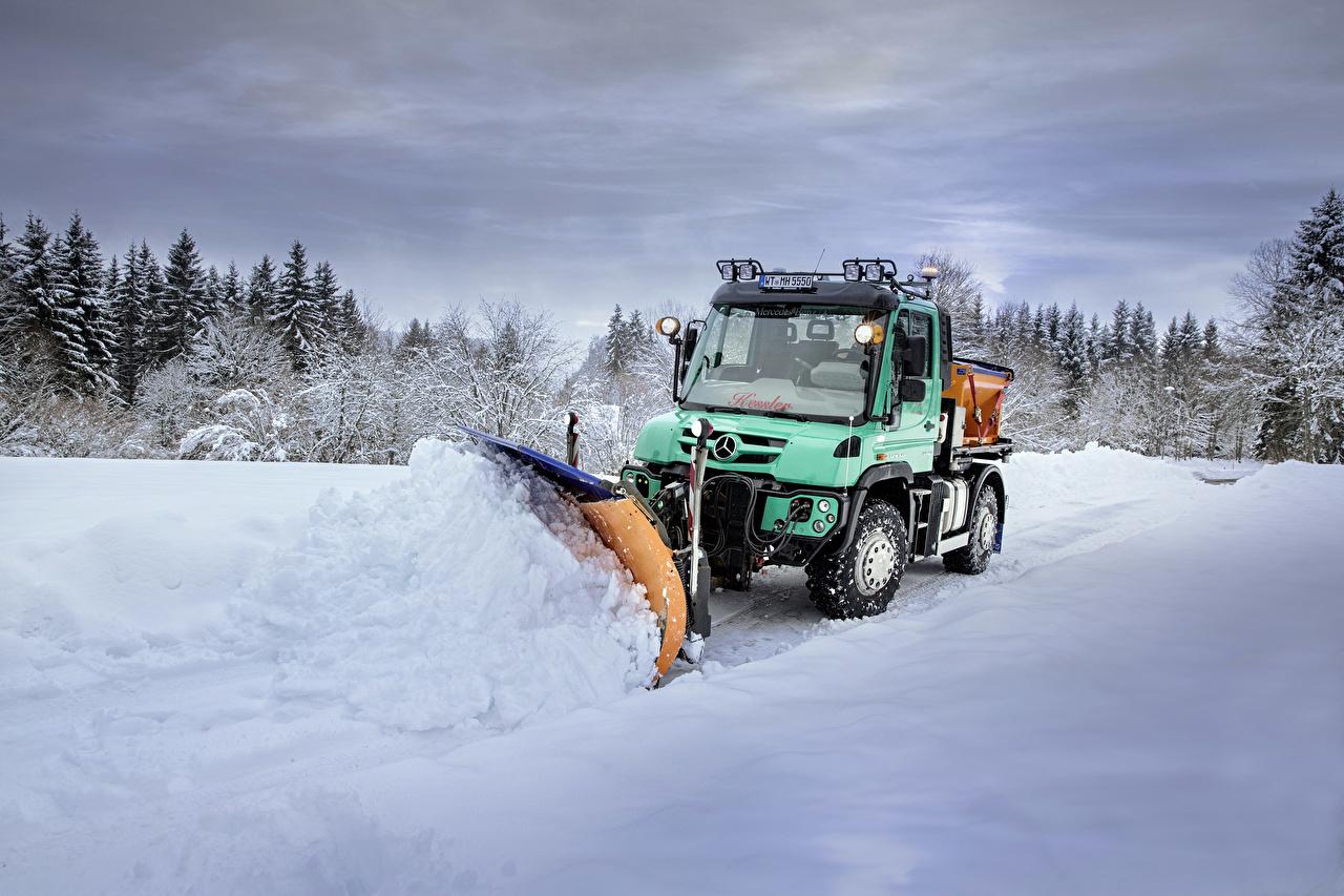 Картинки Mercedes-Benz 2015-18 Unimog U 427 снегу Автомобили Мерседес бенц Снег снега снеге авто машины машина автомобиль