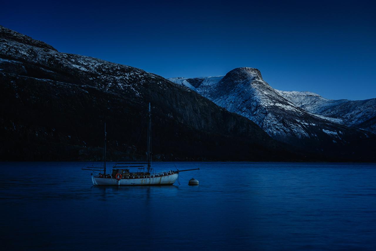 Фотография Норвегия Горы Природа Реки Яхта Ночные Ночь речка