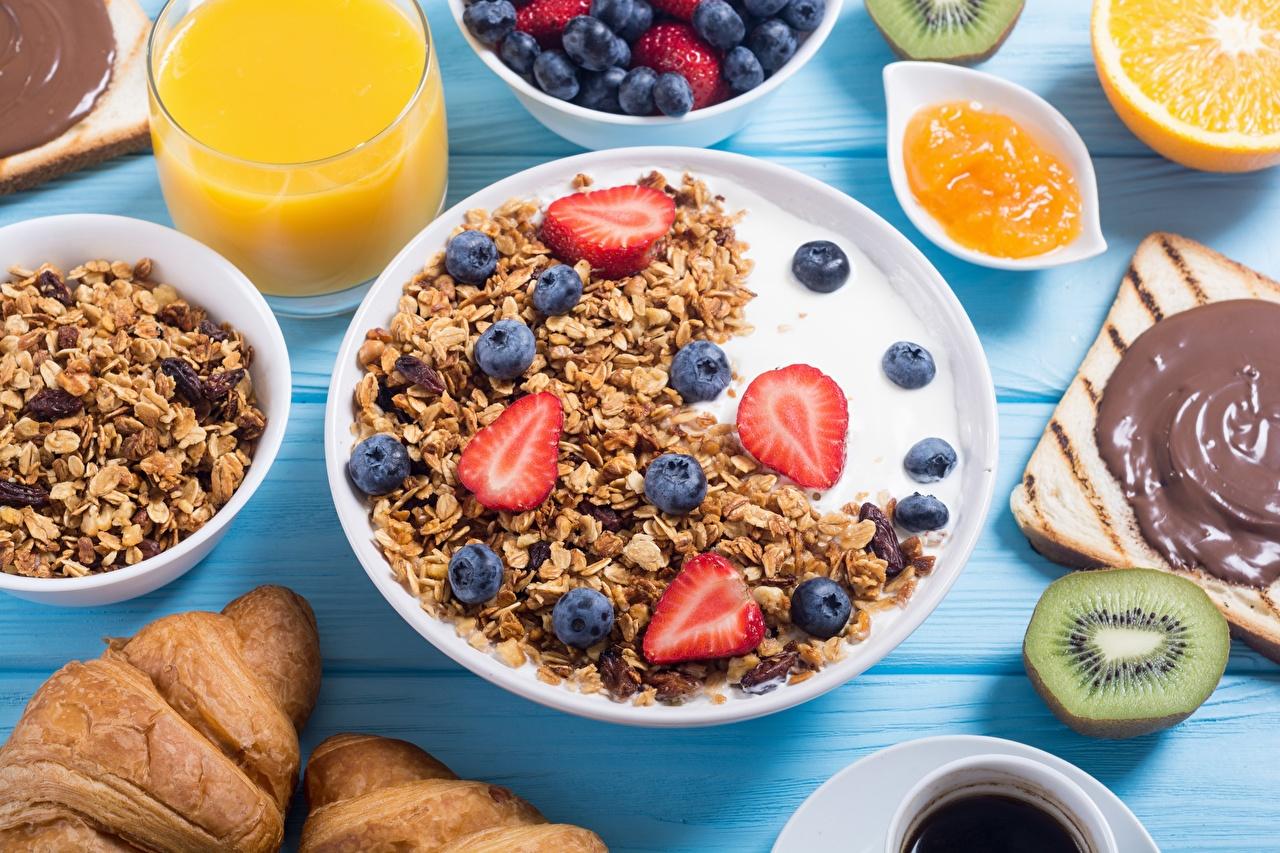 Обои Молоко Завтрак Черника Клубника Еда Мюсли Пища Продукты питания