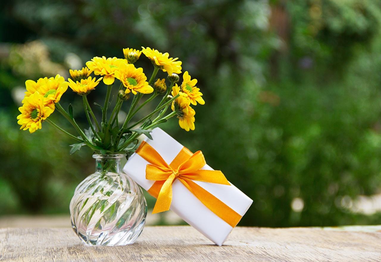 Фотография полевые Букеты Цветы Коробка подарок вазе Лента Бантик букет цветок коробки коробке Подарки подарков Ваза вазы бант бантики ленточка