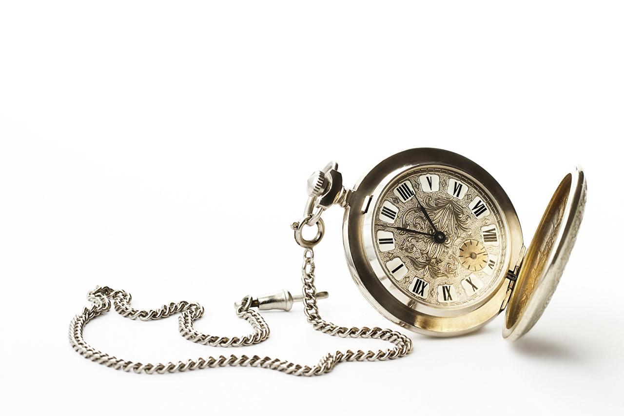 Картинка Наручные часы Часы Цепь Циферблат белом фоне цепи Белый фон белым фоном