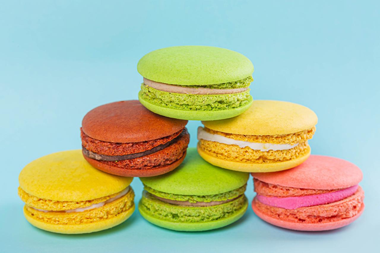 Обои для рабочего стола Макарон Разноцветные Пища вблизи Цветной фон Еда Продукты питания Крупным планом