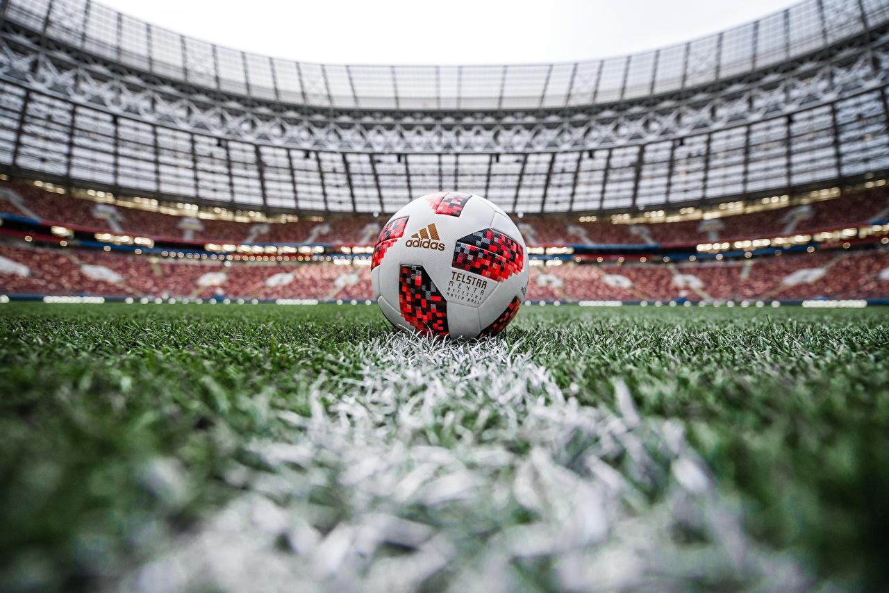 Обои для рабочего стола Russia FIFA World Cup 2018, Adidas Telstar 18 Футбол спортивный Стадион Мячик газоне Спорт спортивная спортивные Мяч Газон