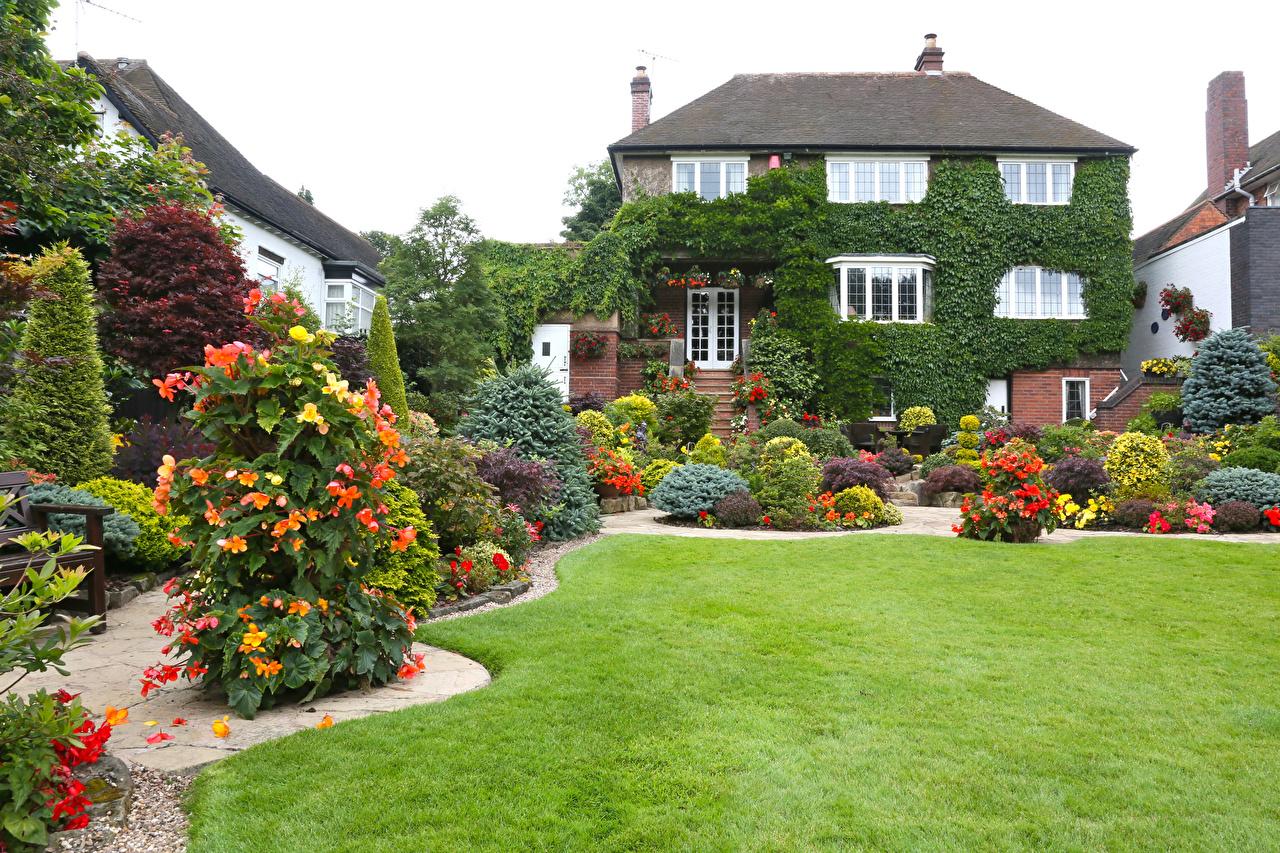 Обои для рабочего стола Англия Walsall Garden Природа Сады Газон Кусты Здания Дизайн газоне Дома кустов дизайна