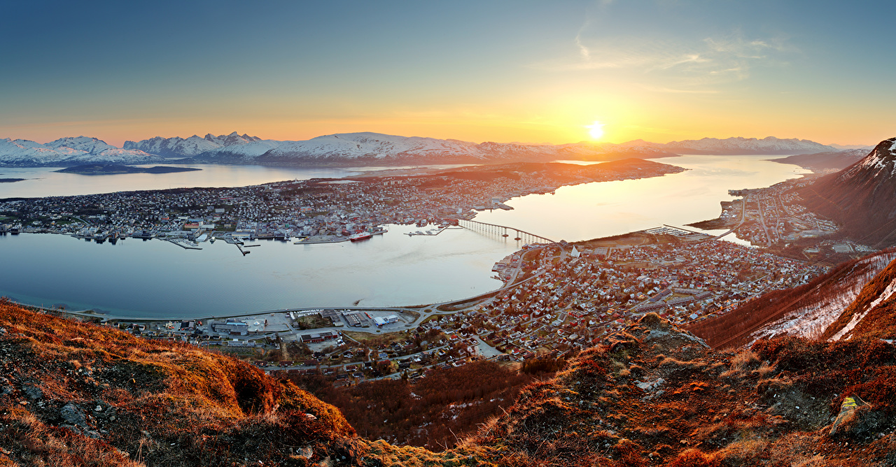 Фотография Норвегия Tromso Рассветы и закаты Залив Пирсы Города Здания Причалы Пристань Дома