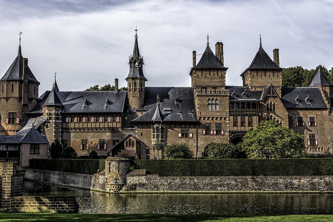 Картинки Нидерланды Castle De Haar Замки Пруд Города