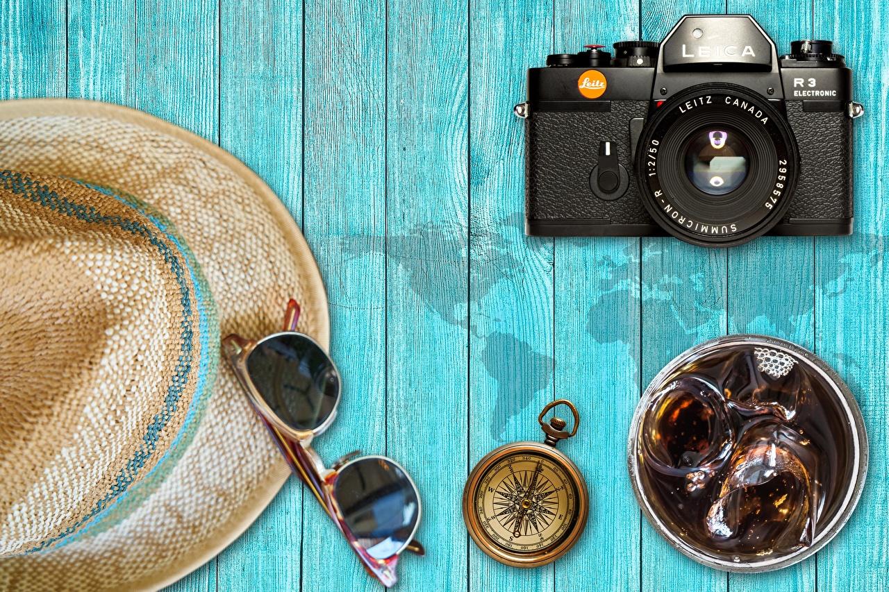 Фото Компас фотокамера Шляпа очках Доски компаса Фотоаппарат шляпе шляпы Очки очков