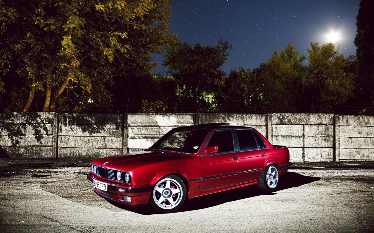 Картинка БМВ красные ночью машина BMW красная Красный красных Ночь авто в ночи Ночные машины Автомобили автомобиль