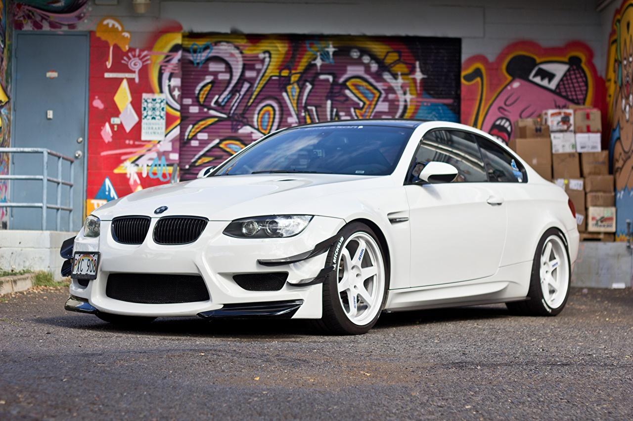 Фотографии БМВ m3 e92 белая Граффити Автомобили BMW Белый белые белых авто машины машина автомобиль