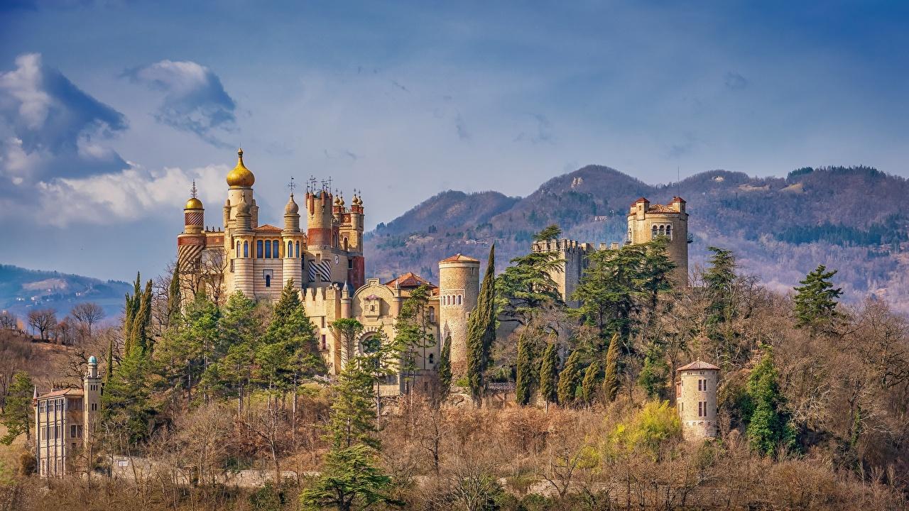 Фото Италия rocchetta mattei castle, Grizzana Morandi Замки Города Деревья город дерева дерево деревьев