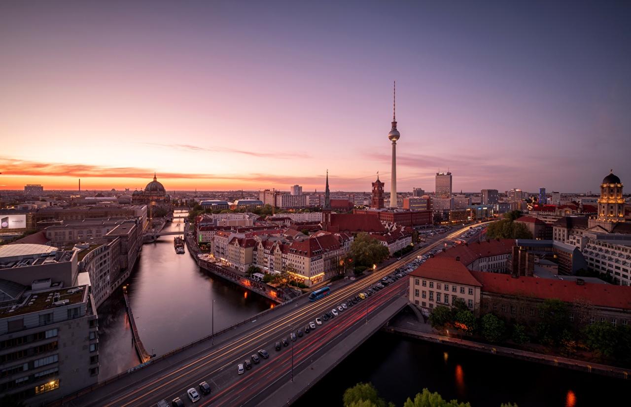 Обои Берлин Германия Утро Дороги Реки Дома Города речка Здания