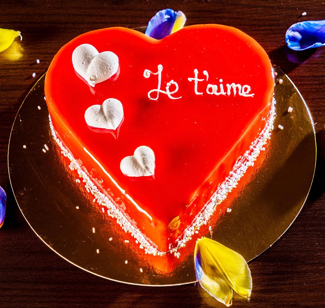 Картинка День всех влюблённых сердечко Торты Пища Тарелка Сладости День святого Валентина Сердце Еда Продукты питания