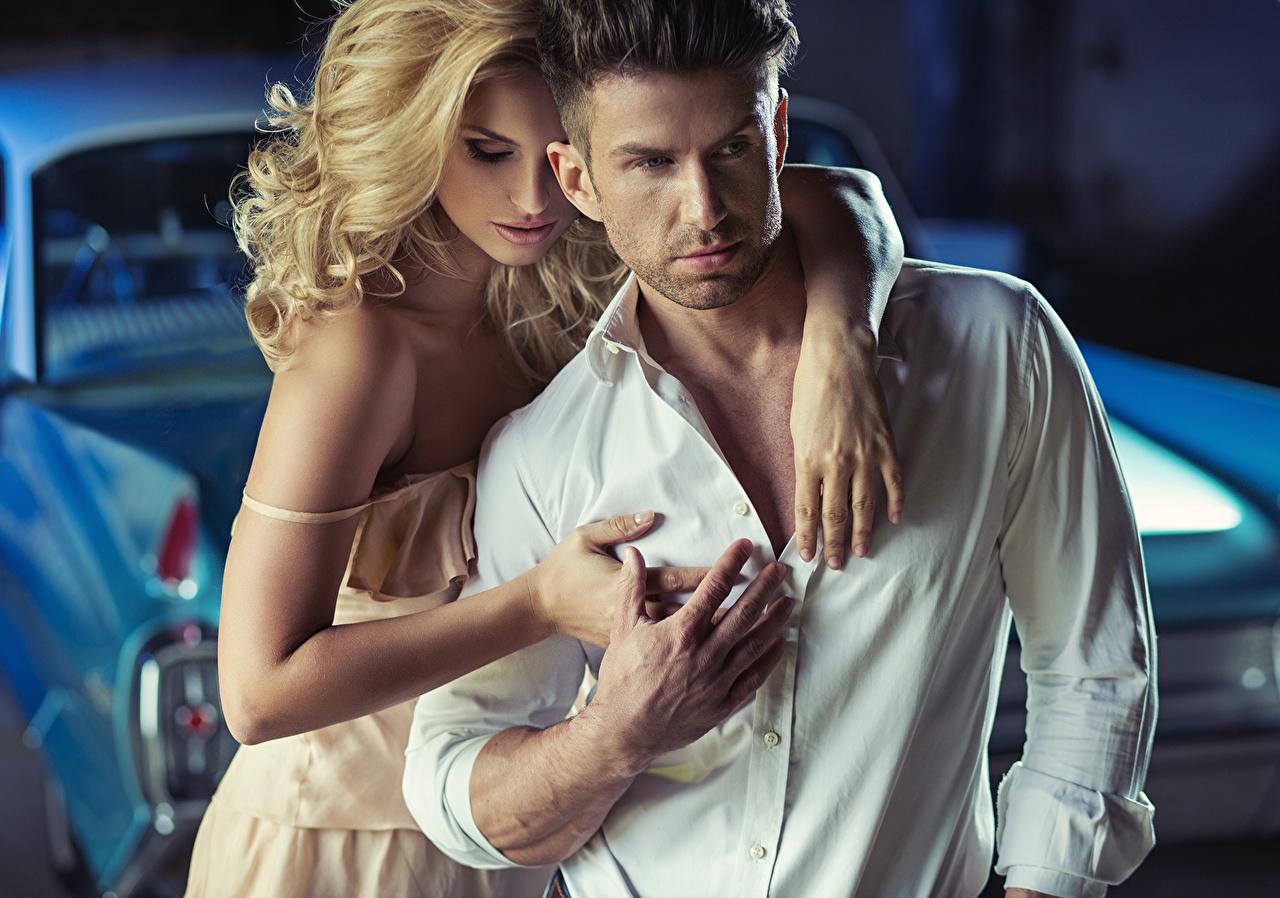Фотографии Блондинка Мужчины любовники два рубашки девушка блондинки блондинок мужчина Влюбленные пары 2 две Двое вдвоем рубашке Рубашка Девушки молодая женщина молодые женщины