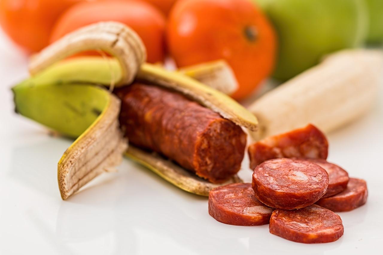 Фотография Колбаса Бананы Креатив Пища нарезка оригинальные Еда Продукты питания Нарезанные продукты