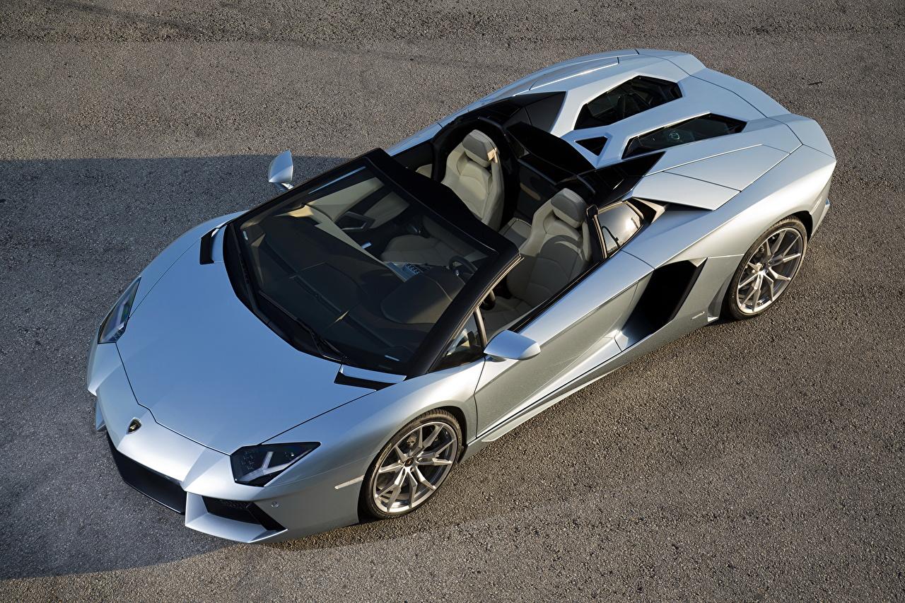 Обои для рабочего стола Lamborghini 2012 Aventador LP700-4 roadster Родстер люксовые Кабриолет Серебристый Сверху Автомобили Ламборгини дорогая дорогой дорогие роскошная роскошный Роскошные кабриолета серебряный серебряная серебристая авто машина машины автомобиль