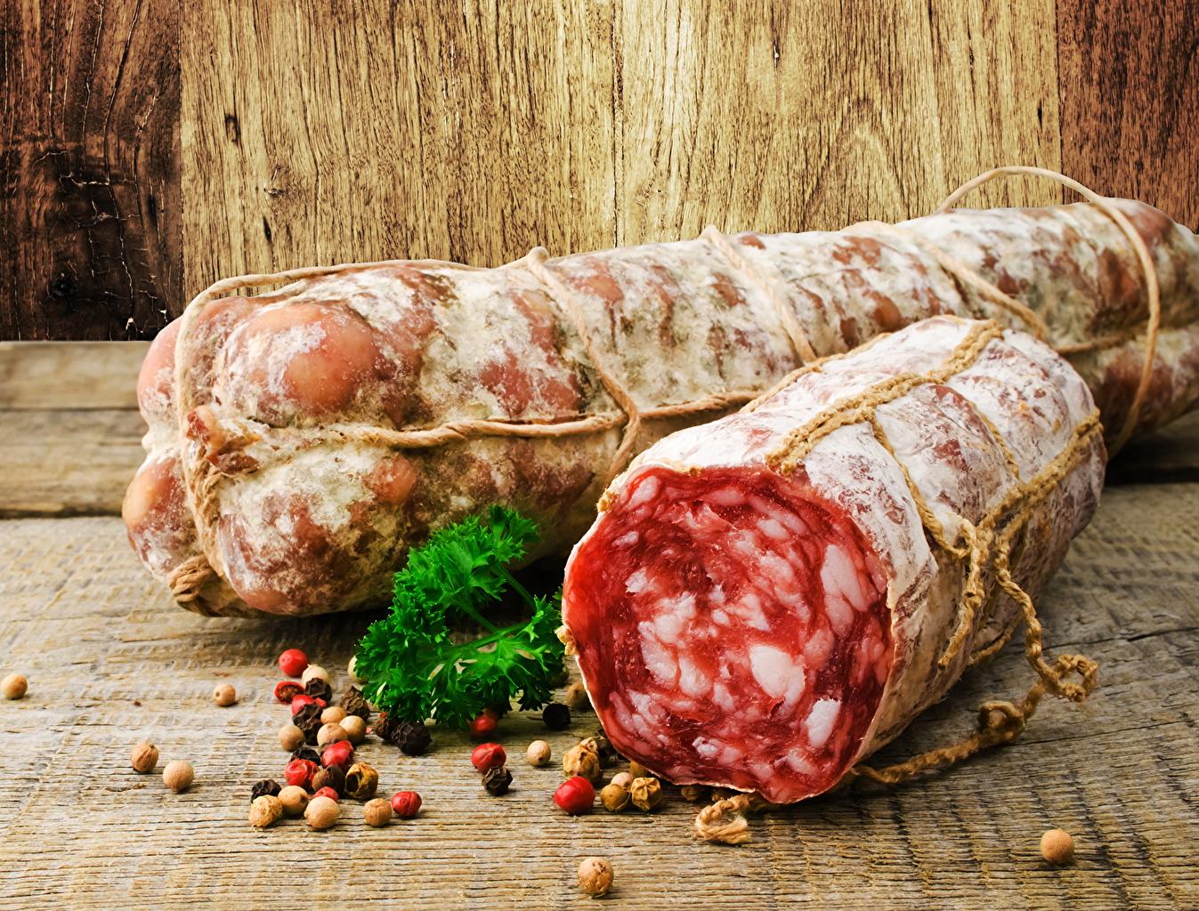 Фотографии Колбаса приправы Продукты питания Мясные продукты Еда Пища Специи пряности