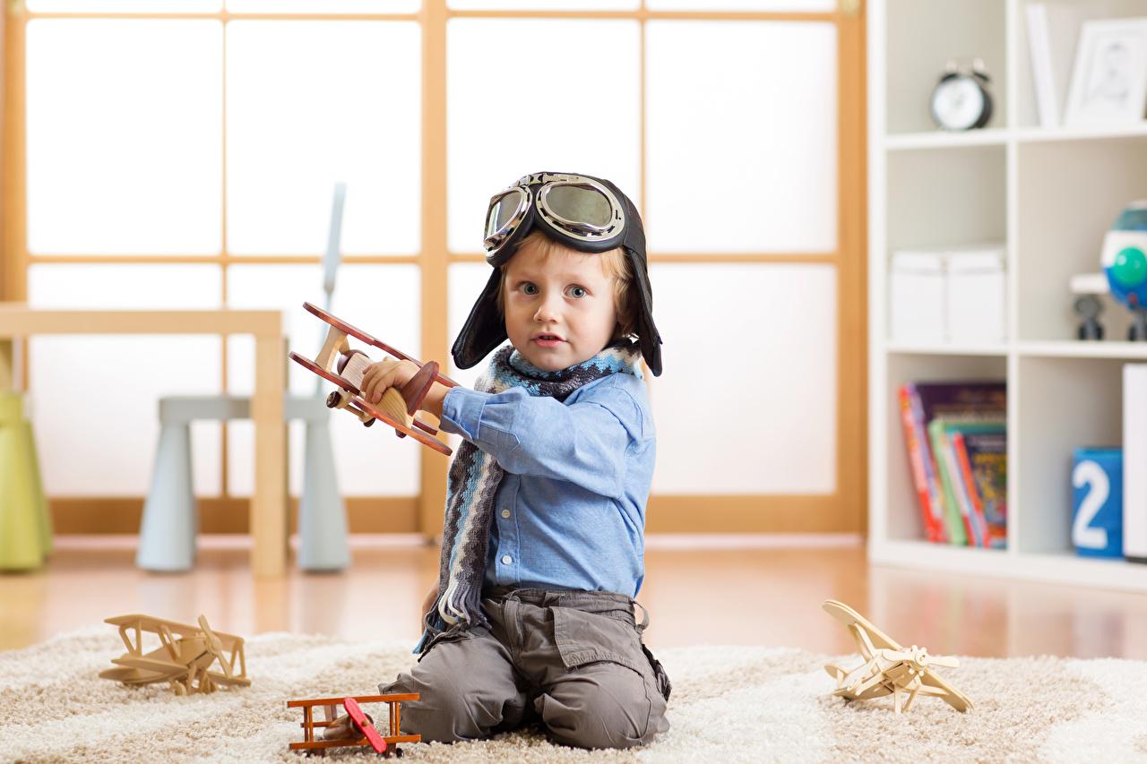 Фото Мальчики Самолеты Дети Очки мальчик мальчишки мальчишка ребёнок очках очков