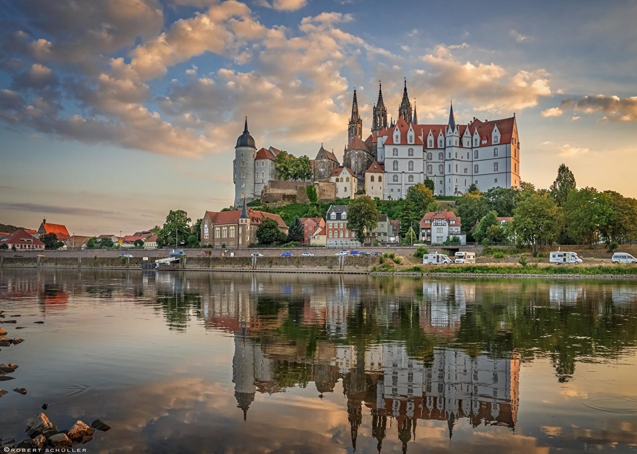 Картинки Германия Albrechtsburg castle, Meissen, Elbe River замок Отражение Реки город Замки отражении отражается река речка Города