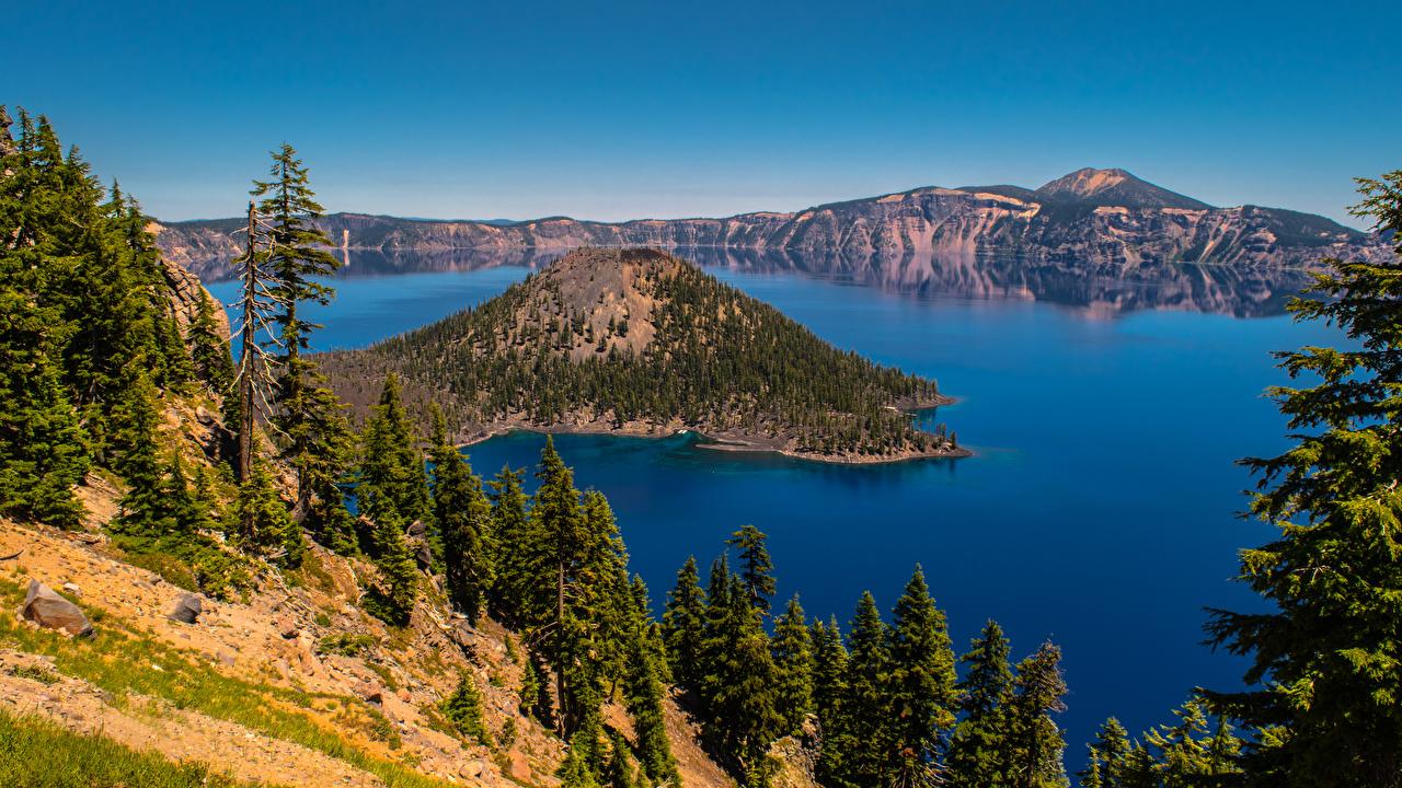 Картинки штаты Crater Lake, Oregon Горы Природа Озеро деревьев США америка гора дерево дерева Деревья
