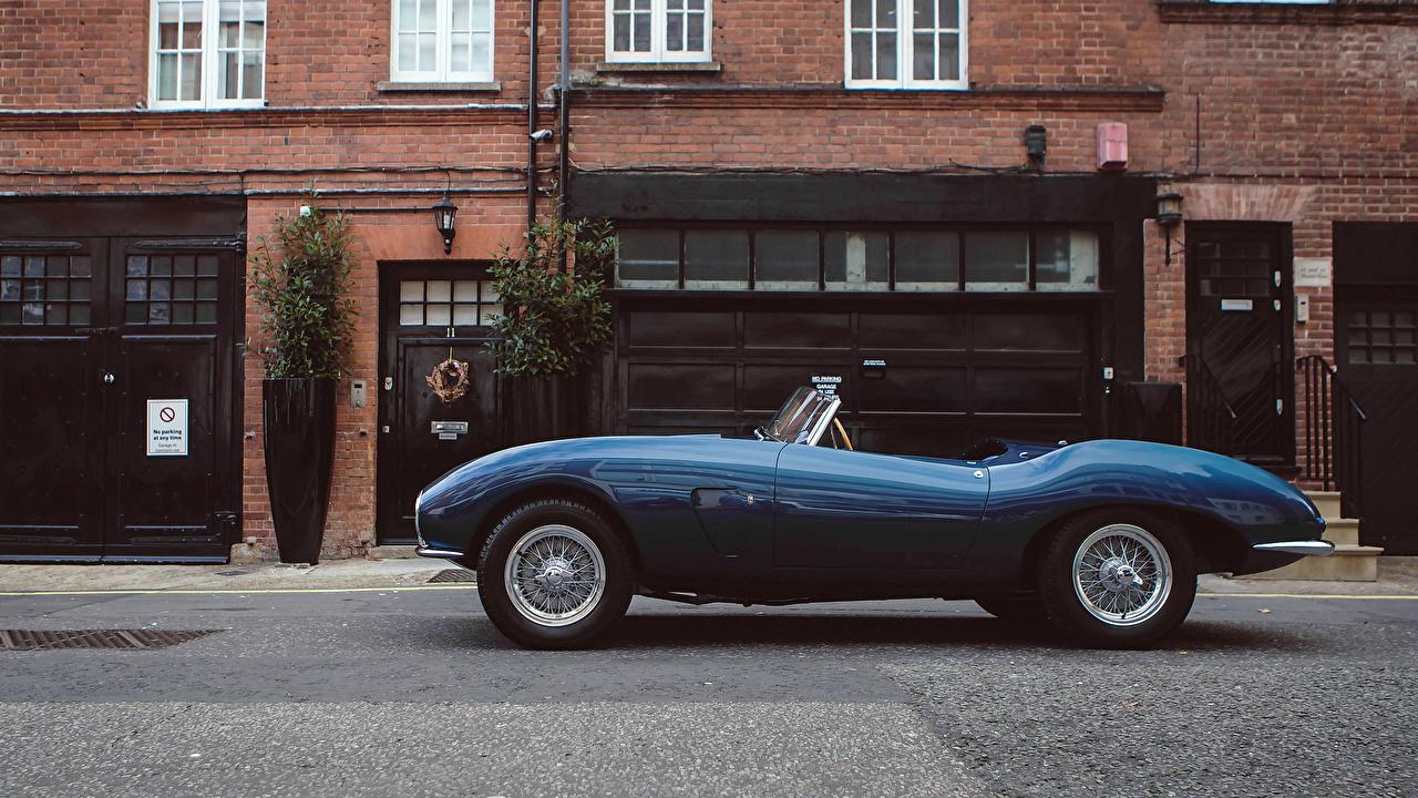 Обои для рабочего стола Aston Martin 1953 DB2-4 Bertone Spider Bertone кабриолета синие Ретро Сбоку Металлик Автомобили Астон мартин Кабриолет синих Синий синяя винтаж старинные авто машина машины автомобиль
