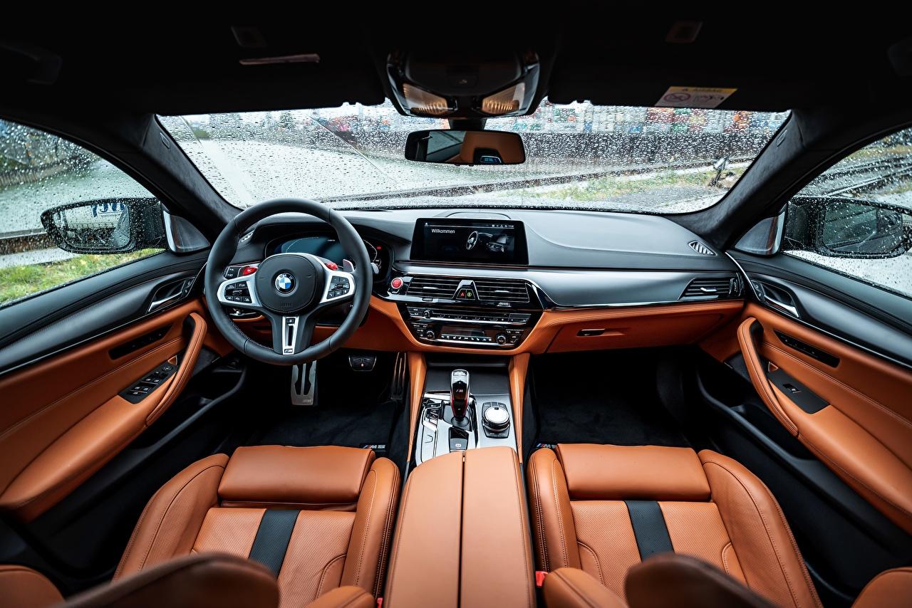Фотография BMW Салоны Рулевое колесо M5 V8 F90 2019 Кожа материал авто БМВ Автомобильный руль кожаный машина машины Автомобили автомобиль