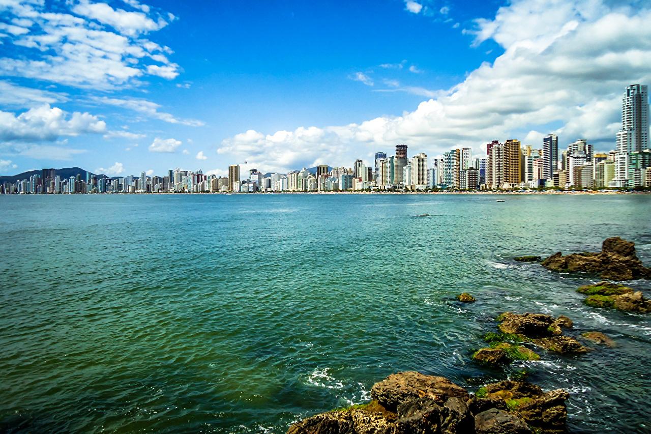 Обои для рабочего стола Бразилия Santa Catarina Небо река воде Дома Города Вода Реки речка город Здания