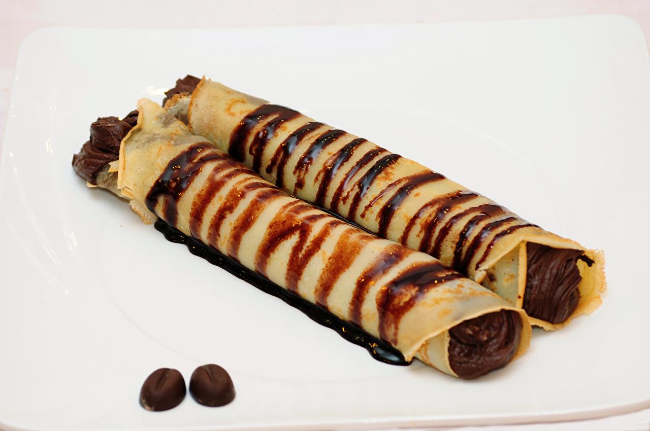 Фото Шоколад Двое Блины Еда 2 два две вдвоем Пища Продукты питания