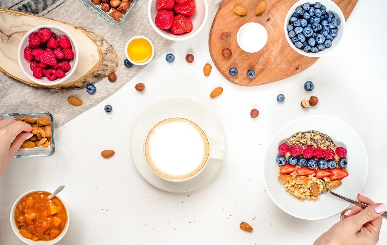 Фото Завтрак Капучино Малина Черника Пища Мюсли Орехи Еда Продукты питания