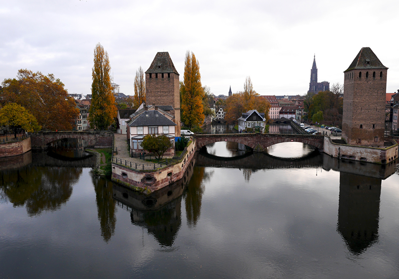 Фотография Страсбург Франция Ponts couverts Мосты Реки Города Здания речка Дома