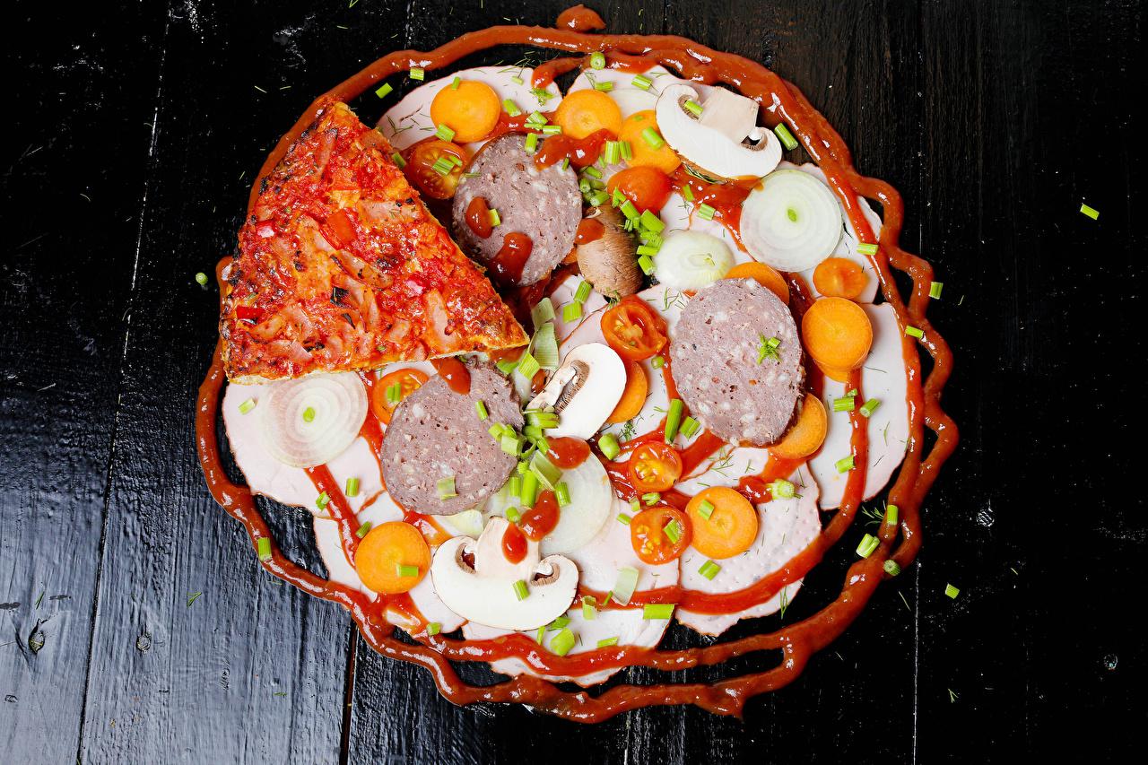 Фото Пицца Колбаса Грибы Кетчуп Еда Овощи Доски кетчупа кетчупом Пища Продукты питания