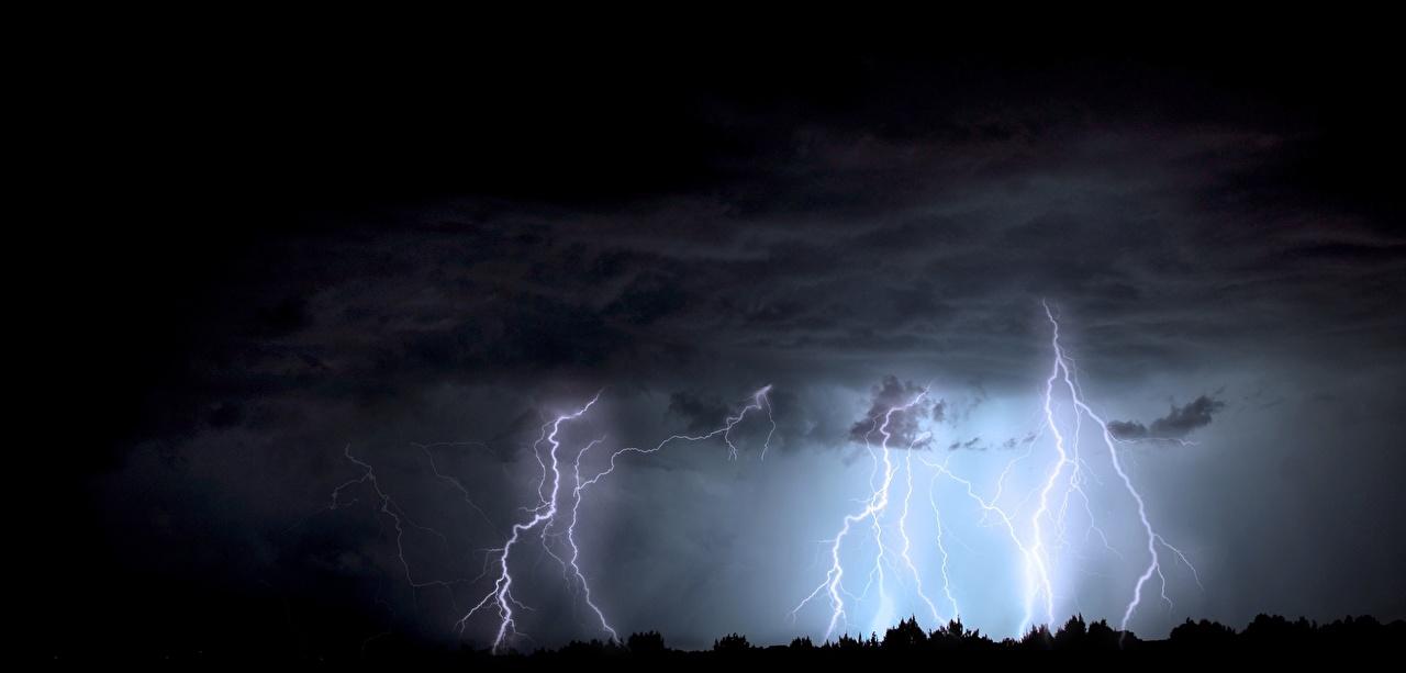 Картинка Тучи Молния Природа Ночные Стихия туч молнии Ночь ночью в ночи