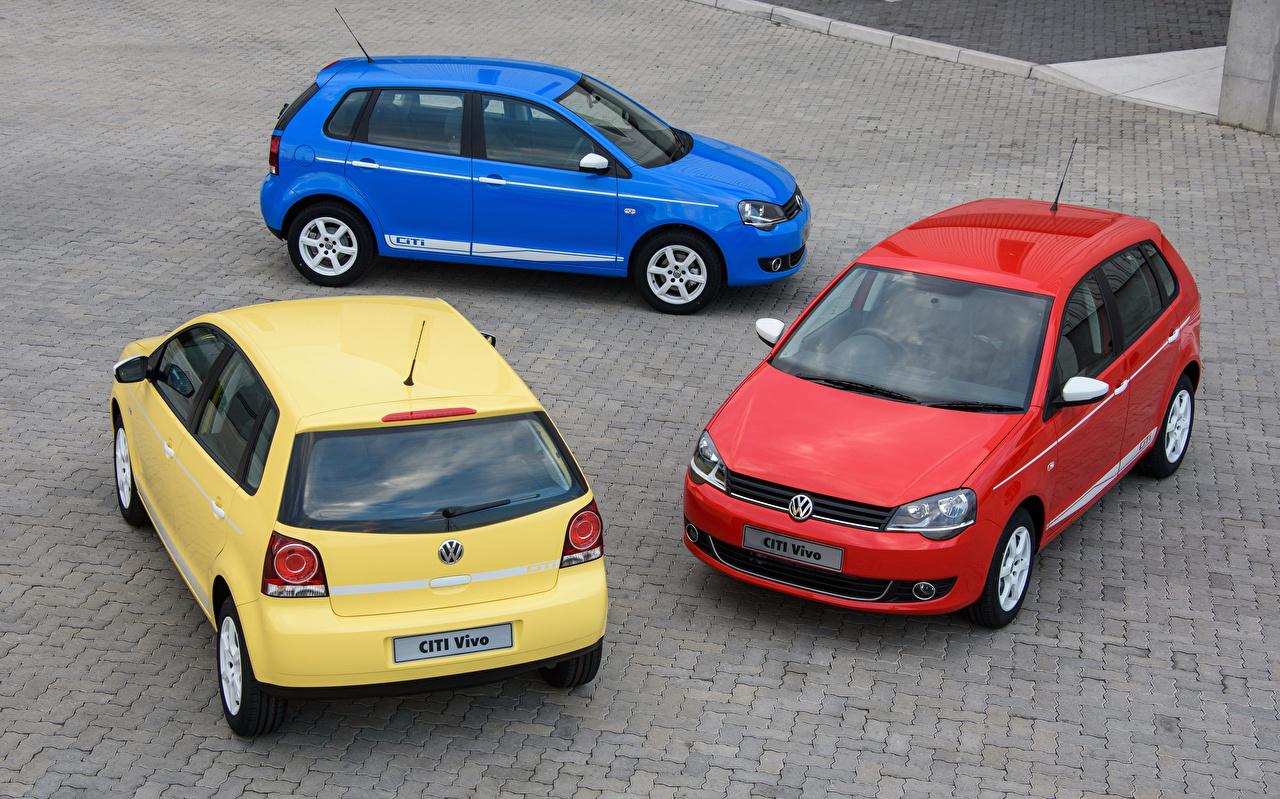 Обои для рабочего стола Фольксваген 2017 Citi Vivo Трое 3 машина Volkswagen три авто втроем машины Автомобили автомобиль