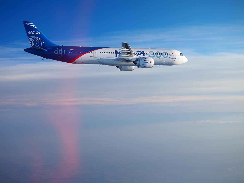 Фотография Самолеты Пассажирские Самолеты Irkut MC-21 Сбоку Полет Авиация летят летит летящий