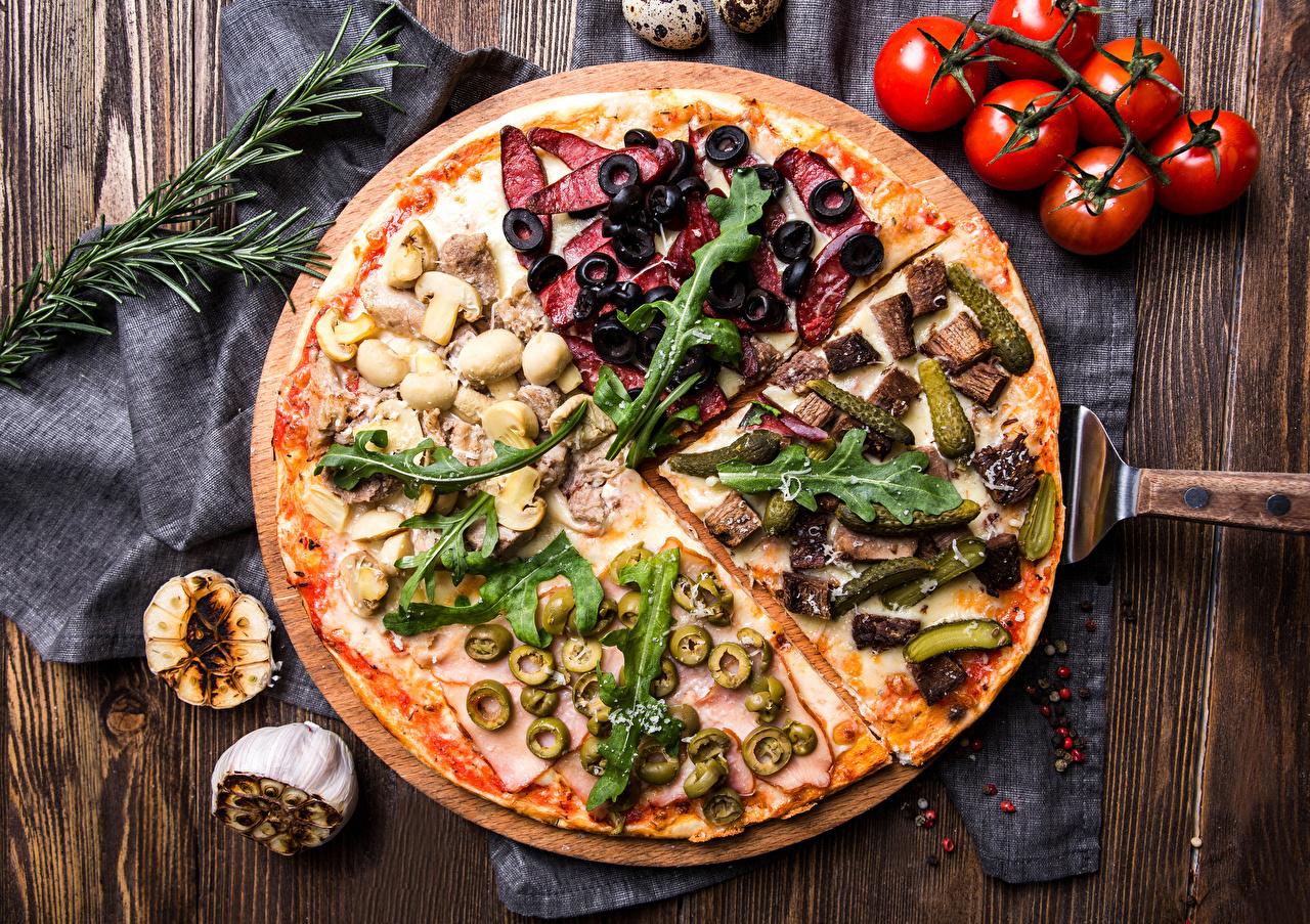 Фотография Пицца Оливки Помидоры Фастфуд Еда Томаты Быстрое питание Пища Продукты питания