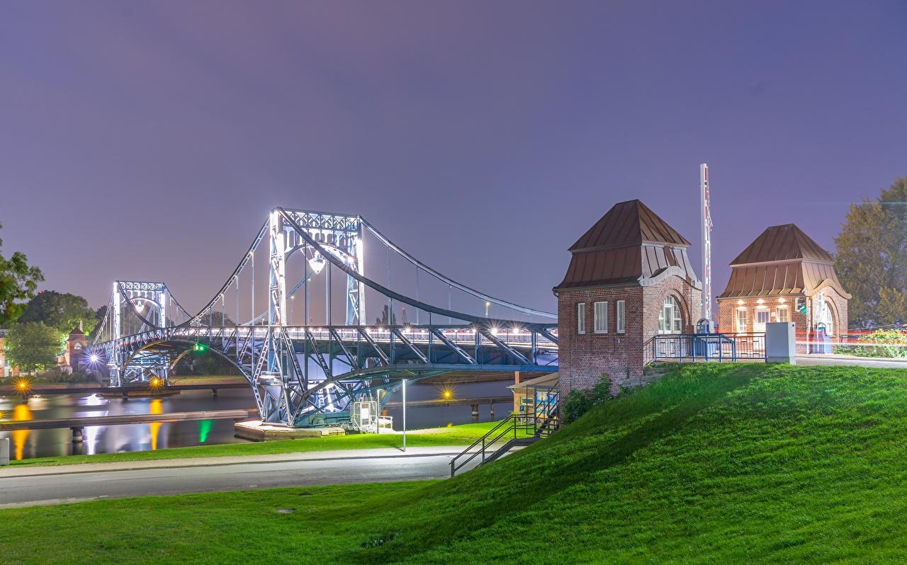 Картинки Германия Kaiser Wilhelm Bridge, river Moselle, Trier, Rhineland-Palatinate Мосты река Ночь город мост Реки речка ночью в ночи Ночные Города