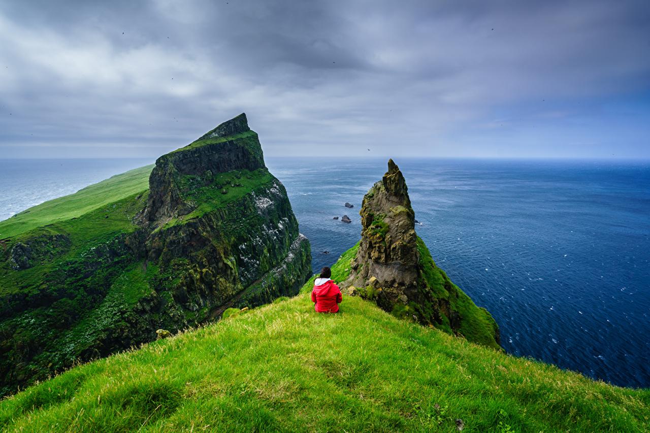 Фотография Дания Mykines, Faroe Islands Утес Океан Природа Остров Горизонт Скала скале скалы горизонта