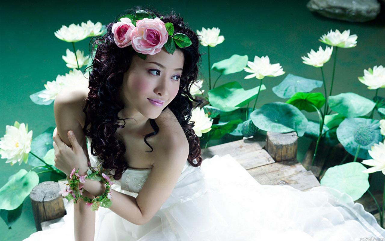 Фотографии Девушки азиатки Платье девушка молодая женщина молодые женщины Азиаты азиатка платья