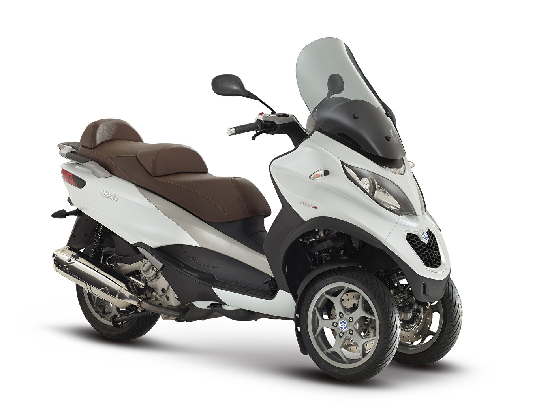 Фото Скутер 2014-20 Piaggio MP3 LT 500 Business мотоцикл белом фоне Мотороллер Мотоциклы Белый фон белым фоном