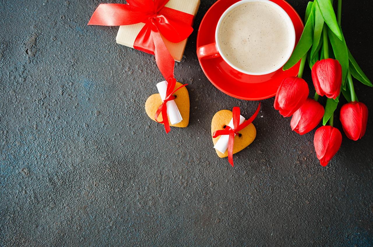 Фотография День святого Валентина сердечко Кофе тюльпан цветок Шаблон поздравительной открытки День всех влюблённых серце Сердце сердца Тюльпаны Цветы