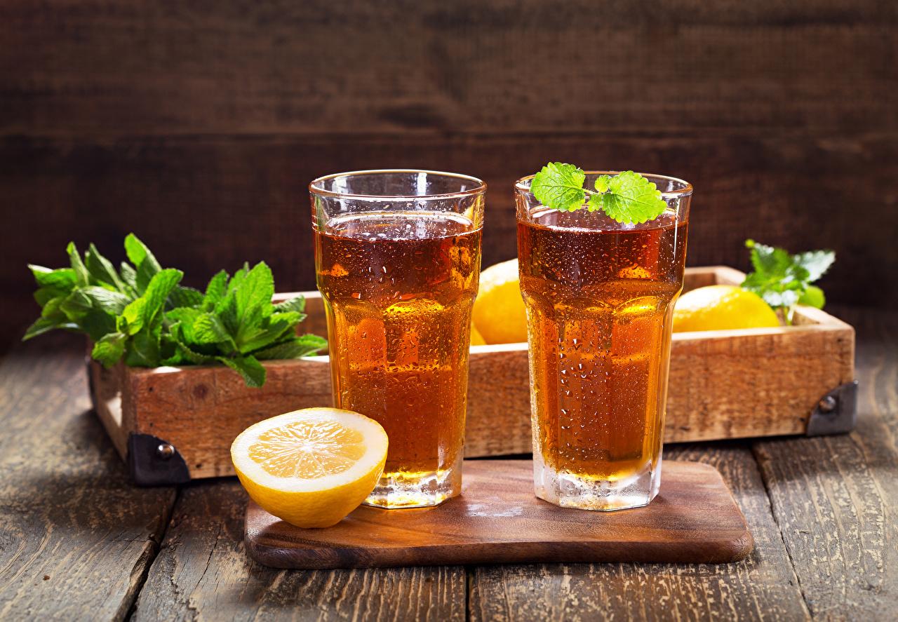 Картинки Пища Стакан Лимоны Разделочная доска Доски вдвоем Лимонад Напитки Еда Продукты питания стакана стакане разделочной доске 2 два две Двое напиток