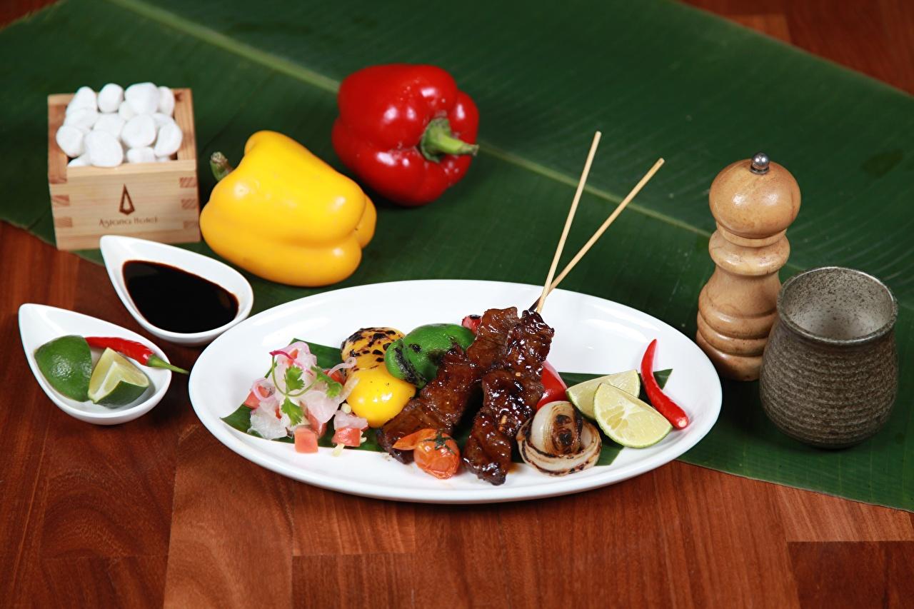 Картинка barbecue Еда Перец Специи Тарелка Пища пряности приправы Продукты питания