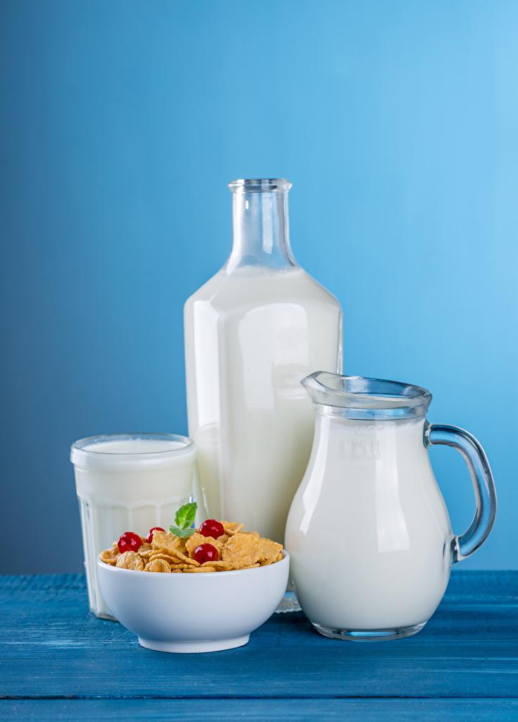 Картинки Молоко Кувшин стакане Пища Мюсли Бутылка Цветной фон  для мобильного телефона Стакан стакана кувшины Еда бутылки Продукты питания