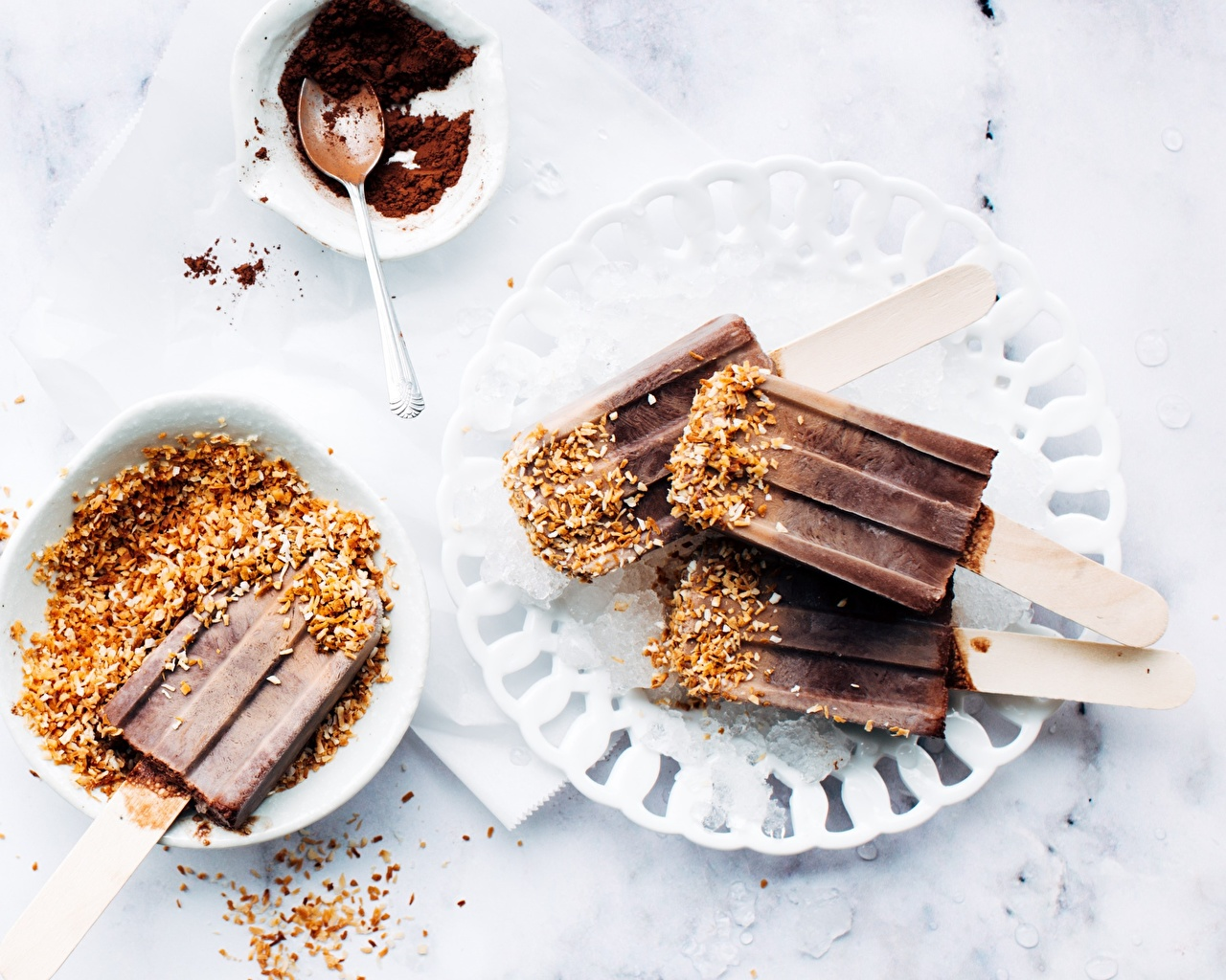 Фотография Шоколад Мороженое Какао порошок Еда Орехи Пища Продукты питания