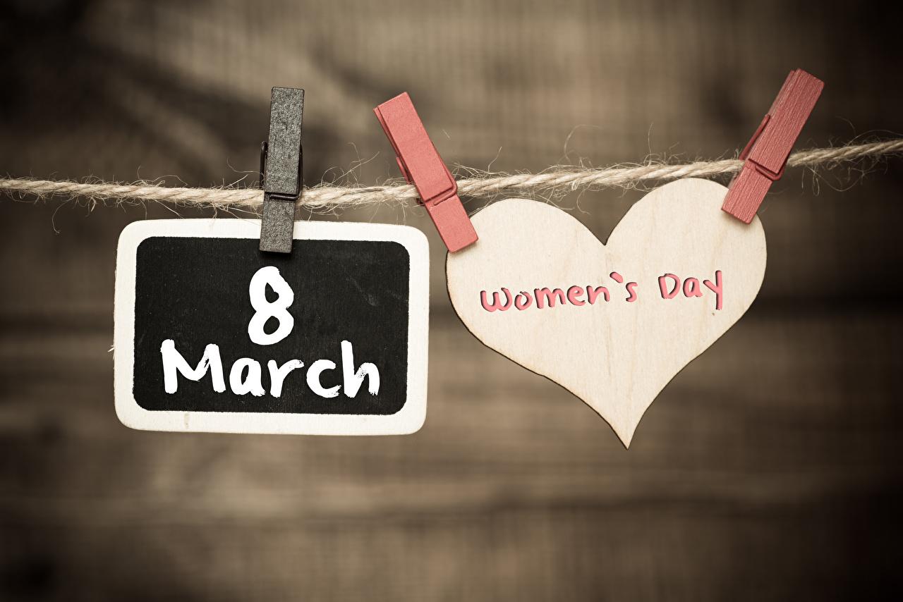 Фотографии 8 марта английская Сердце Прищепки боке текст Международный женский день Английский инглийские серце сердца сердечко Размытый фон слова Слово - Надпись