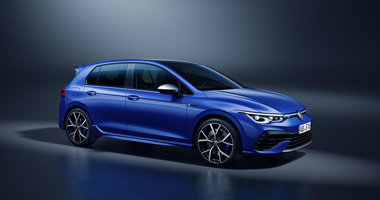 Фото Фольксваген Golf R, 2020 синих машина Металлик Volkswagen синяя синие Синий авто машины Автомобили автомобиль