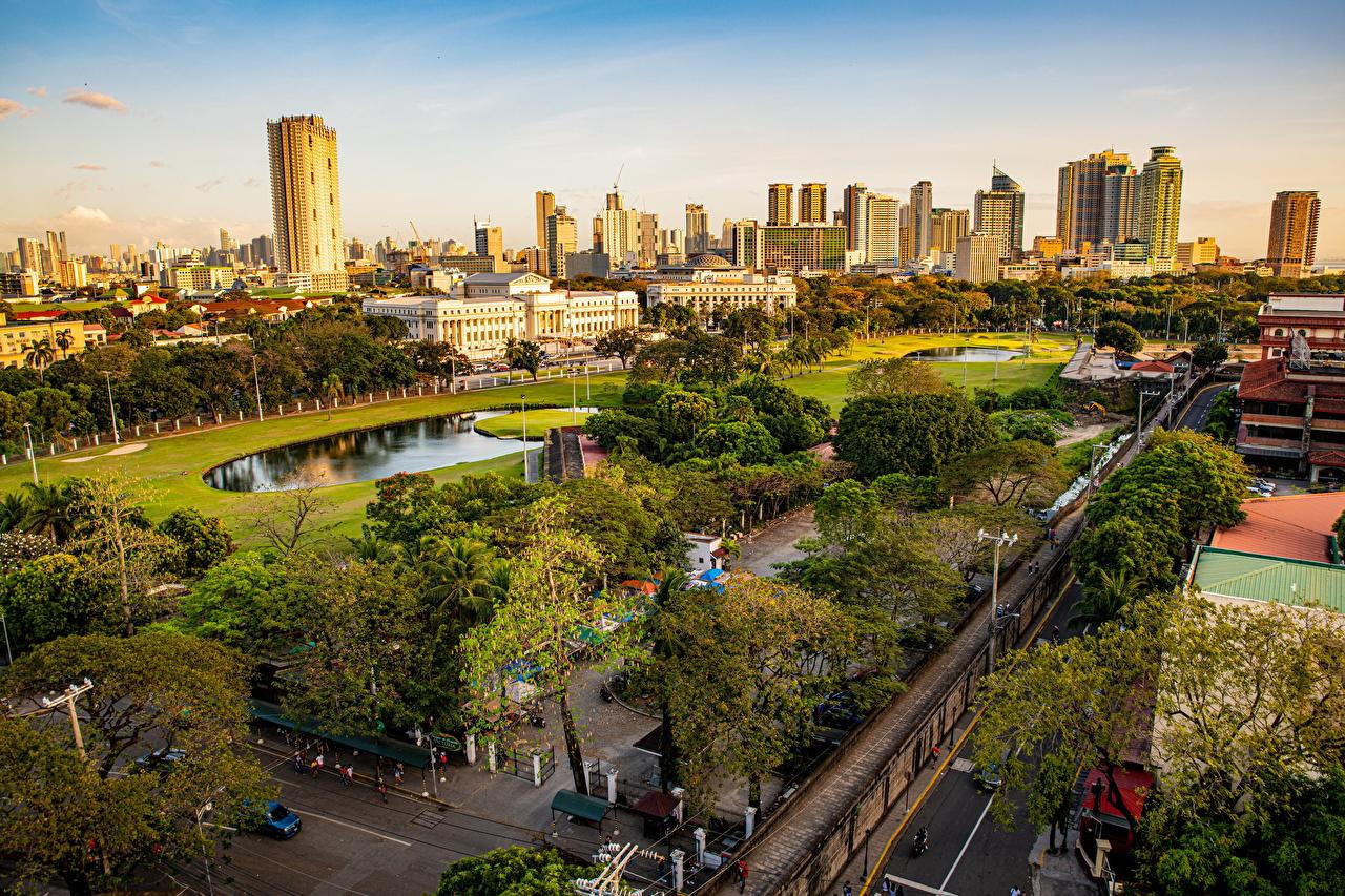 Фотография Филиппины Manila, Intramuros парк улице Сверху Дома Города деревьев улиц Парки Улица город Здания дерево дерева Деревья