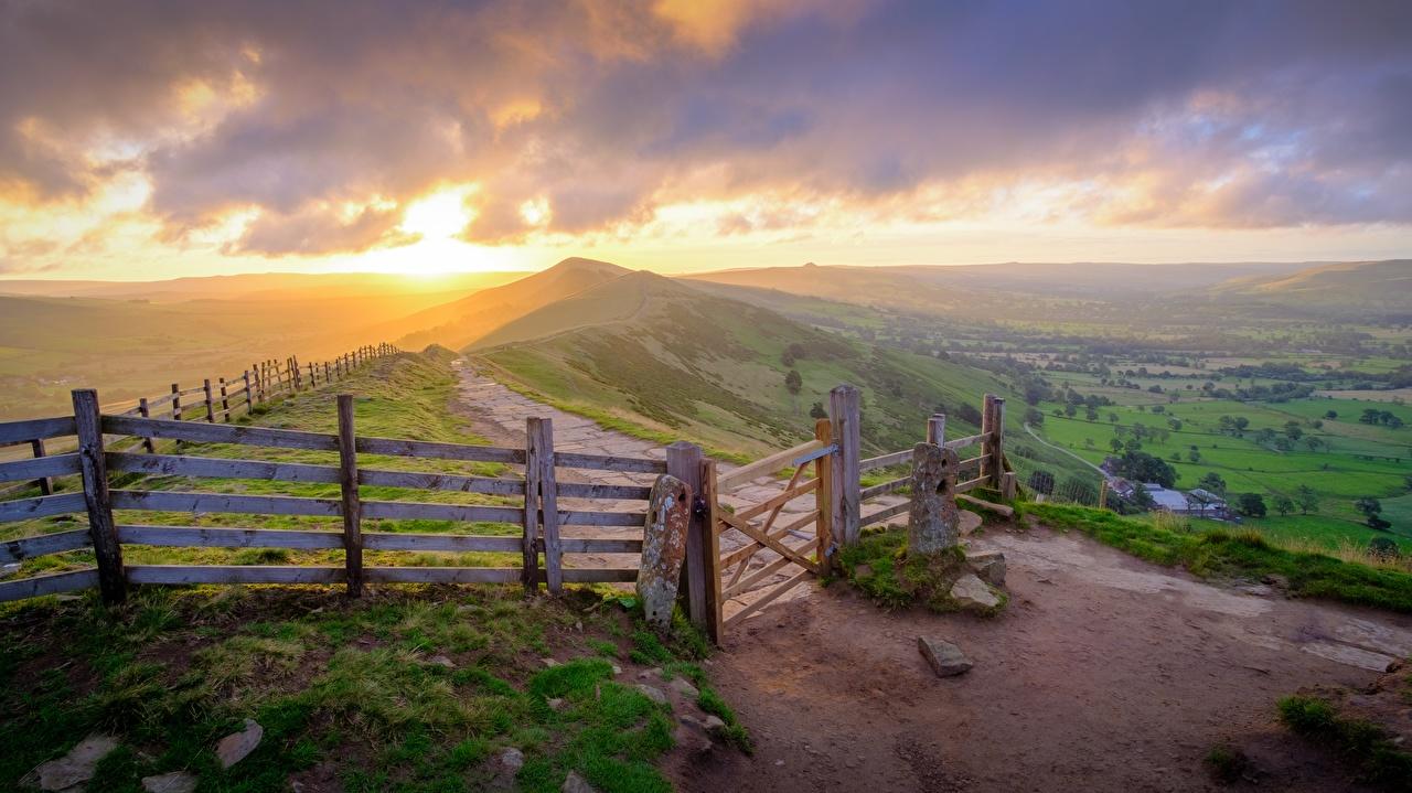 Фотографии Англия Peak-District national Park, Derbyshire Природа холм Забор Парки Рассветы и закаты траве Горизонт парк Холмы забора ограда холмов забором рассвет и закат Трава горизонта