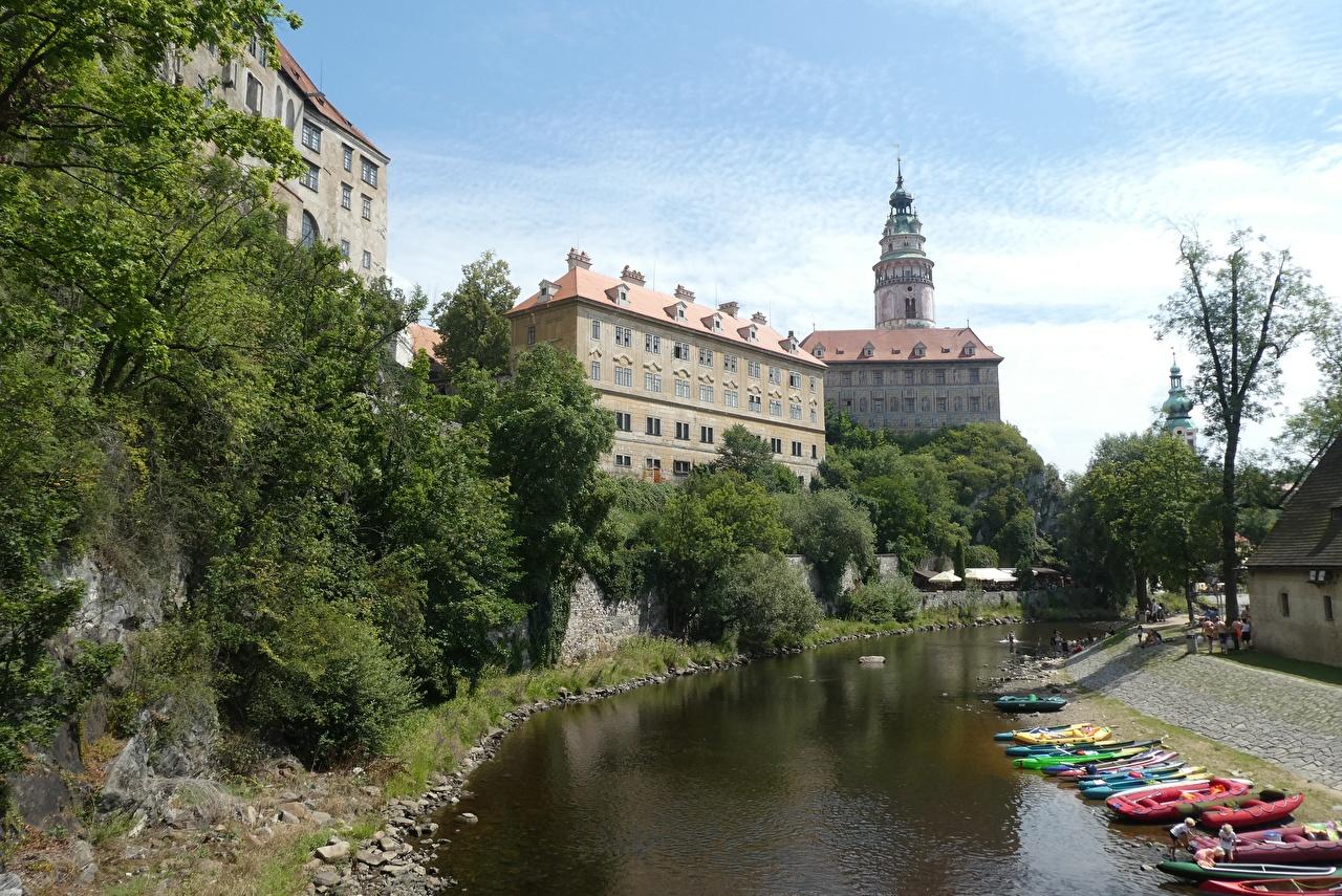 Фотография Чехия башни Cesky Krumlov Водный канал Лодки город Башня Города