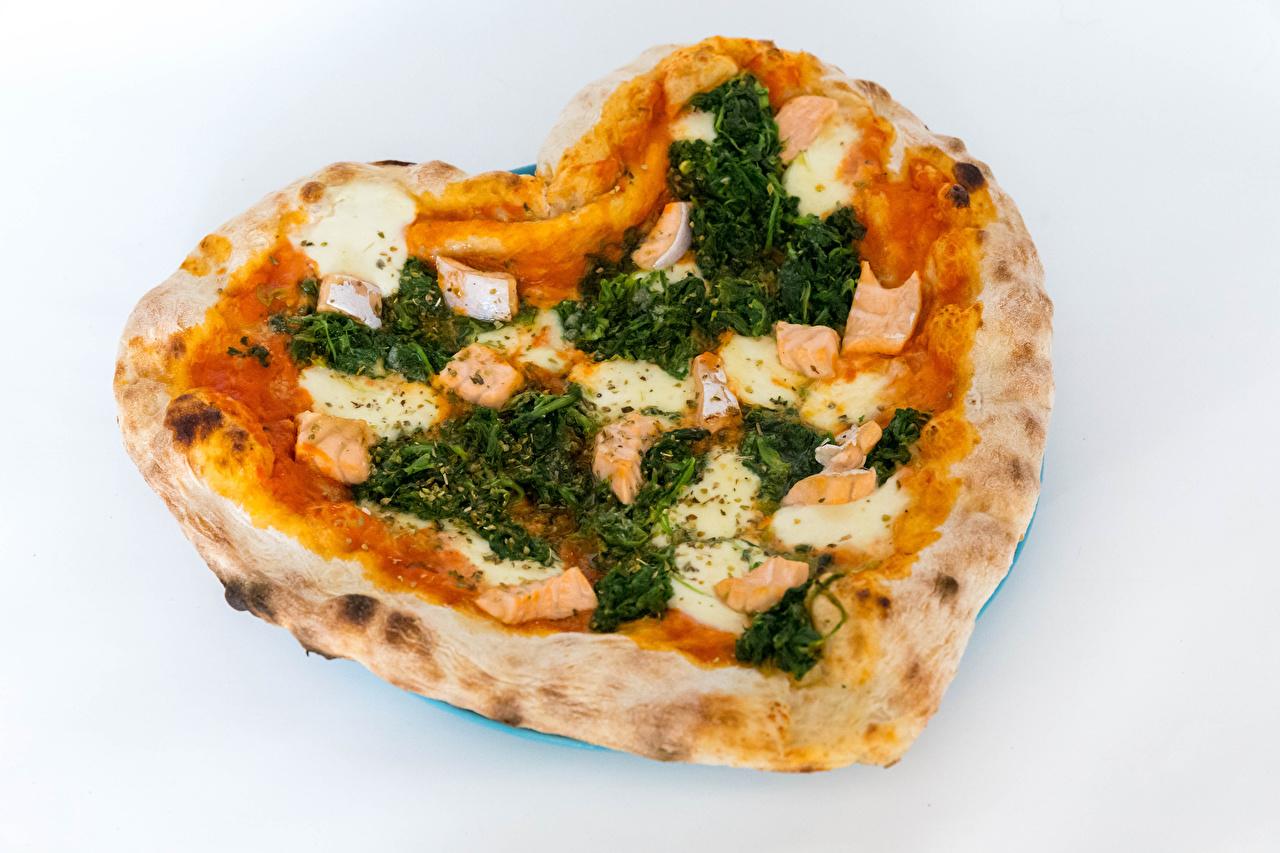 Картинки Сердце Пицца Быстрое питание Пища Серый фон серце сердца сердечко Фастфуд Еда Продукты питания сером фоне