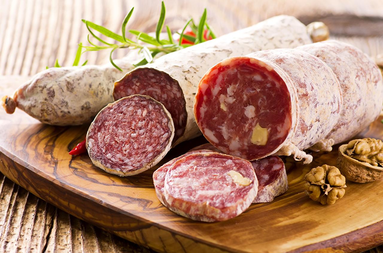 Фотографии Колбаса Продукты питания Мясные продукты Еда Пища